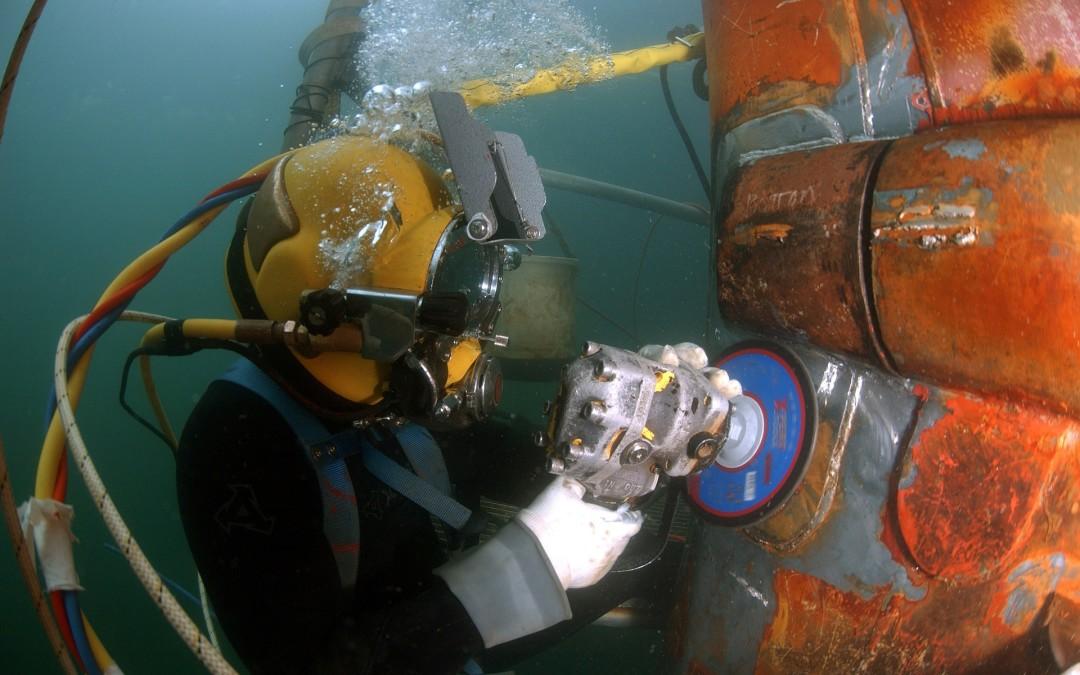 Bezpieczeństwo i higiena pracy podczas wykonywania podwodnych robót budowlanych