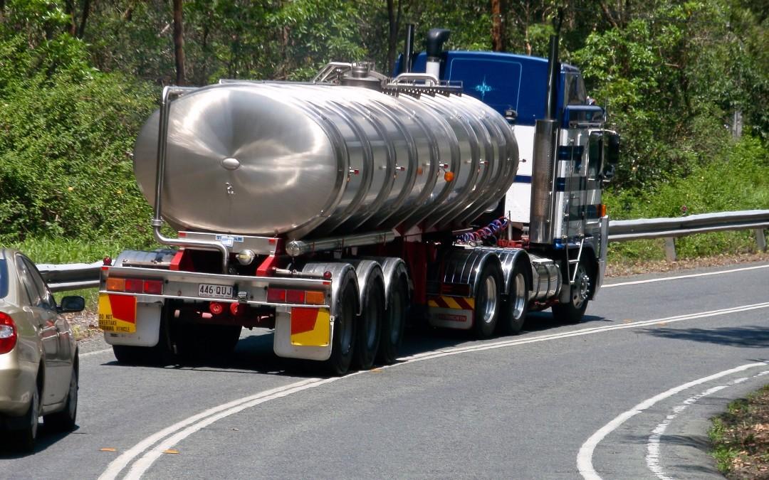 Transport i przeładunek materiałów niebezpiecznych – zasady postępowania